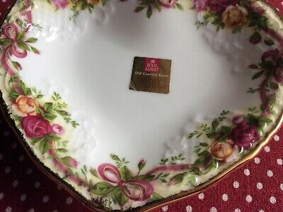 Royal Albert Old Country Roses ' Ruby ' Heart Shape Dish.
