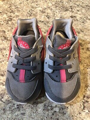74ecdcd2208d9 NIKE HUARACHE TODDLER Girl Kids Size 6 Gray And Pink -  12.00