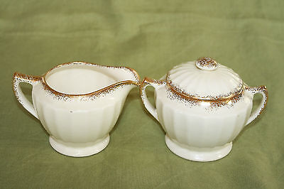 "The Edwin M. Knowles China Co. Usa ""Kno948"" Pattern Sugar Bowl And Creamer Set"