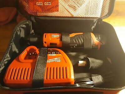 eaf673447ad MILWAUKEE 2457-21 3 8-IN Cordless M12 Lithium-Ion Ratchet Kit ...