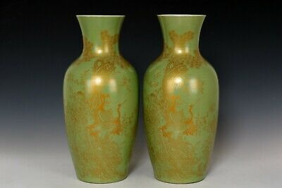 Chinese Beautiful Pair Monochrome Glaze Gilted Gold Porcelain Cranes Vases