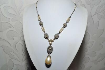 Beautiful Vintage Art Deco Pearl Dropper Necklace In Leaf Design