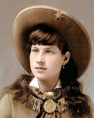 """ANNIE OAKLEY OLD WEST SUPERSTAR SHARPSHOOTER 8x10"""" HAND COLOR TINTED PHOTOGRAPH"""