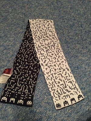 Space Invaders black white retro arcade game baby boys scarf 12-30 months