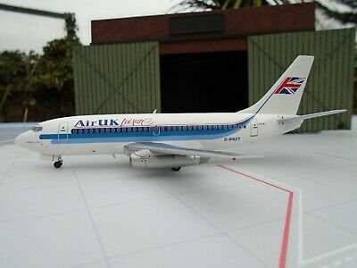 Inflight 200 1/200 Scale Boeing 737-200 Air Uk Leisure G-Bnzt Ifclev2006