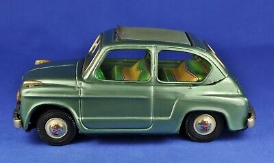 Blechauto / Tin Model Car: Bandai 743 Fiat 600, Friktion, grün / green metallic
