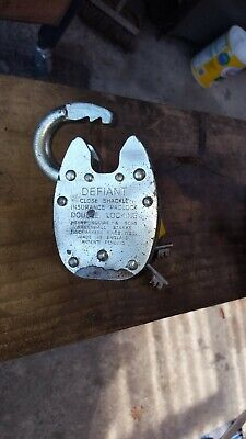 Squire Defiant Padlock with three keys.