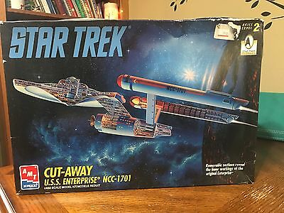 STAR TREK Original USS Enterprise Cut-Away Model AMT 8790