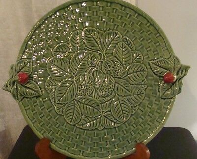 Bordallo Pinheiro Strawberry Green  MAJOLICA 12'' Cake Plate Portugal