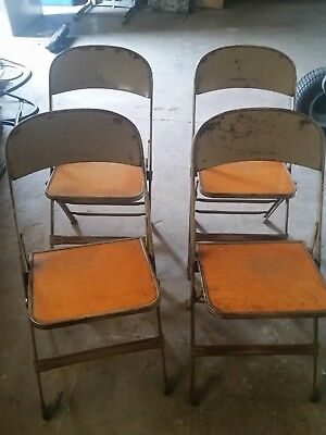 CLARIN MFG CO Wood / Metal Folding Chairs.