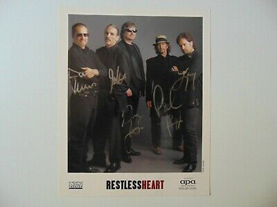 """When She Cries"" Restless Heart Group Signed 8X10 Color Photo Todd Mueller COA"