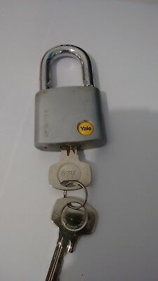 1 x YALE PADLOCK SATIN CHROME 50 mm HARDENED BORON STEEL SHACKLE  - FREE POSTAGE