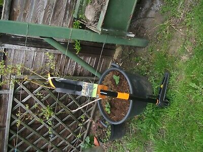 Fiskars  Exact Weed Puller Brand New With Tags