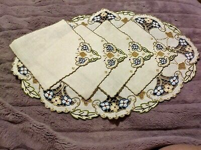 """Beautiful Colorful Embroidered,  Cutwork Madeira Linen Mat w/4 Napkins 16.5""""x11"""""""