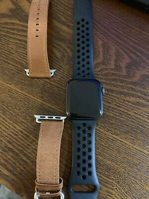 Apple Watch Series 4 Nike+ 40 mm Space Gray Aluminum Case with Anthracite/Black