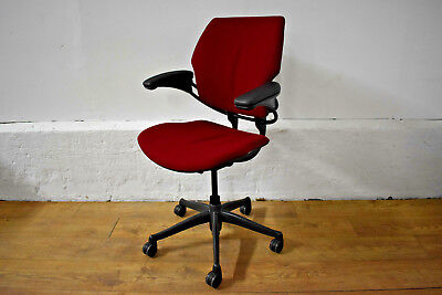 NEW Humanscale Freedom Red Fabric / Graphite Office Operator Swivel Chair 7 STK