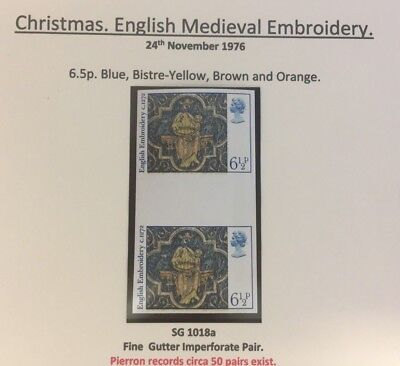 1976 SG 1018a Christmas English Medieval Embroidery Gutter Imperf Pair Error