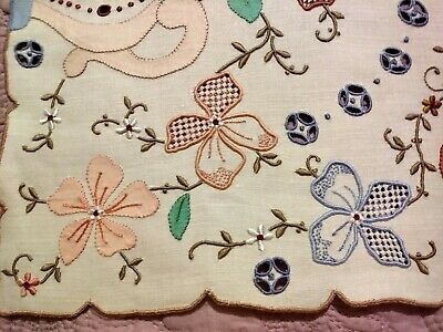 """Beautiful Colorful Embroidered,  Applique Cutwork Madeira Linen Runner 26.5""""x12"""""""