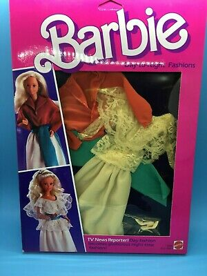 1984 Day to Night Fashion For Barbie doll #9084  Reporter outfit