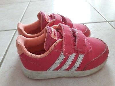 CHAUSSURES FILLE Baskets Adidas Rose T25 EUR 10,00