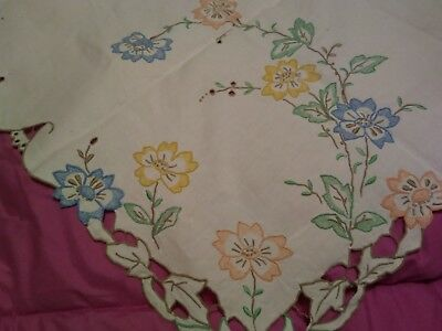 """Gorgeous Floral Design Madeira Embroidered and Cutwork 40"""" Linen Tablecloth"""