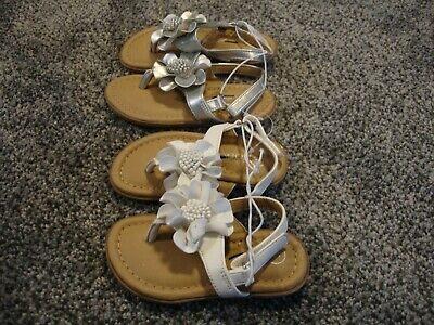 47c929c15c49 Cherokee Toddler Girls Thong Flower Accent Sandals 5 White 7 Silver NEW