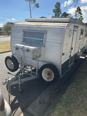 Millard caravan 1976 Poptop 15ft (4.5mt)