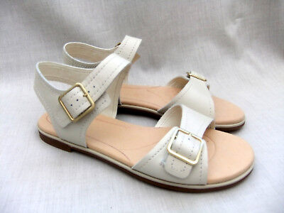 1ddf45e9e750 CLARKS BAY PRIMROSE White Leather Ladies sandals flats size 4.5 37.5 ...