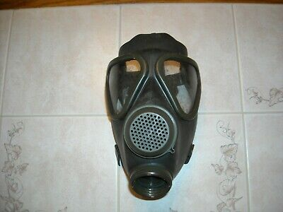Vintage USA Military Rubber Gas Mask Respirator Head Eyes