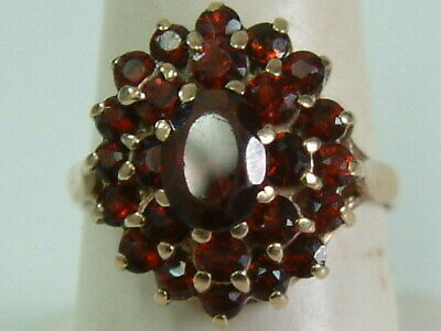 Pretty 9Ct Yellow Gold 1970'S Garnets Cluster Ring