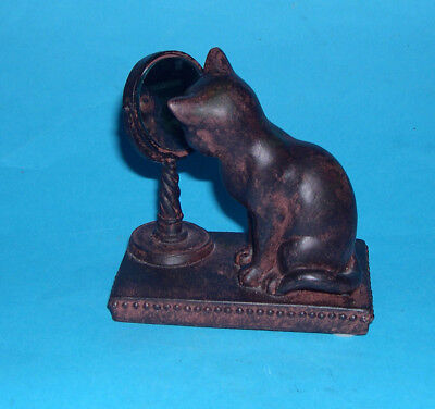 Collectable Resin Ornament Unusual Pose Of A Cat Sitting And Looking Into Mirror
