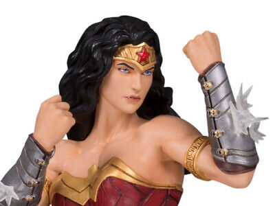 DC Collectibles DC CORE: WONDER WOMAN PVC Statue - BRAND NEW MINT IN SEALED BOX