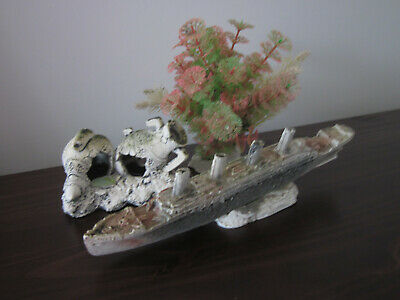 Aquarium Decoration. Bateau. Plante.. Decor Jarres