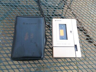 Sanyo vintage cassette walkman, voice recorder. Talk book TRC 1500