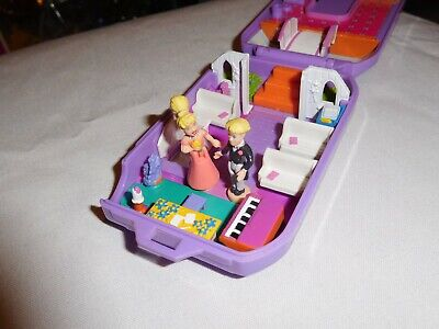 Polly Pocket Playset Camera 1999 Flip Open Wedding with Polly and Rick