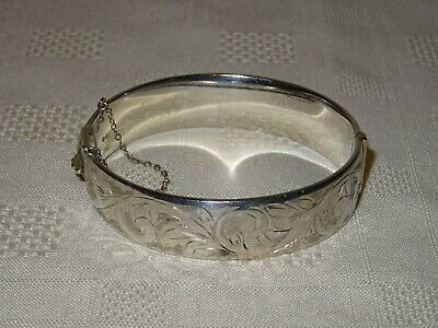 Vintage Sterling Silver Engraved Hinged Bangle - Chester 1961 - Joseph Smith 35g