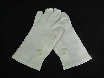 Vintage White Wrist Length Shortie Gloves With Embroidery