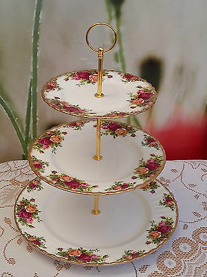 """Royal Albert """"Old Country Roses"""" Ex. Large 3-tier Cakestand"""