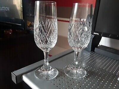 Pair Beautifully Hand Cut Crystal Champagne flutes - Glass 19 cm tall