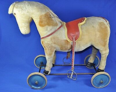 Steiff: Pony auf Rädern / on Wheels 502453 1989-1990, KF / button + flag, 60 cm