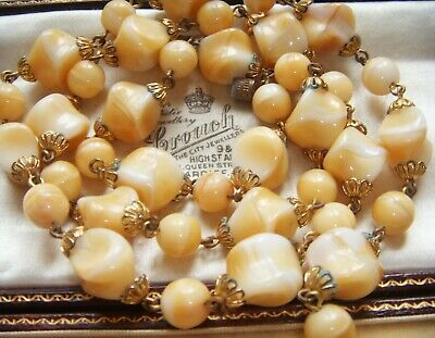 VINTAGE 1950s JEWELLERY Beautiful Marbled AGATE Bi Colour SATIN GLASS NECKLACE