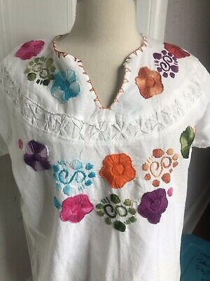 70's Vintage Hand Embroidered Mexican Hippie Top Muslin Cotton med/lg
