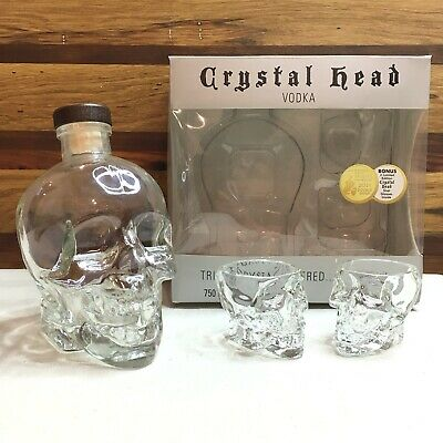 Original Dan Aykroyd 750mL Crystal Head Vodka Skull Bottle With 2 Shot Glasses