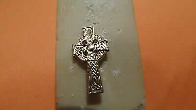 Celtic cross pin in gold plate