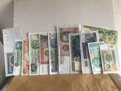 A Selection of 22 World Banknotes. All Different. Uncirculated. *World22.1-2*