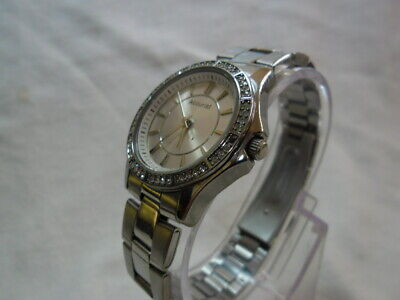 Ladies Accurist Lb1419V Cal Pc21S New 3 Year Swiss Made   Renata Battery