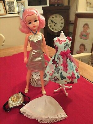 Vintage Sindy Doll