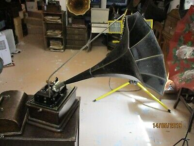 A  very good Edison 2 & 4 minute Fireside cylinder phonograph