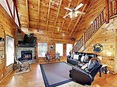 5 Nights: Upper Middle Creek Cabin Unit #28 Cabin by RedAwning ~ RA249603