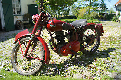 BSA C11 1946 , with papers,works perfect, completely restaured.